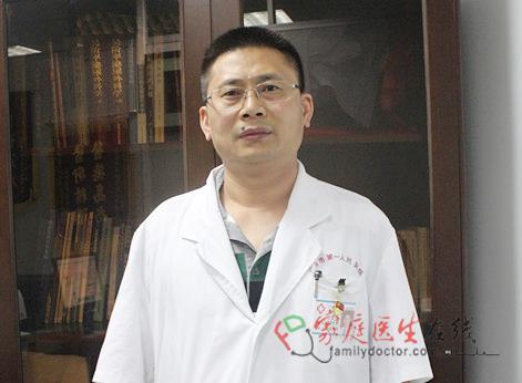 邓军洪: 要像白求恩那样对待每一位病人