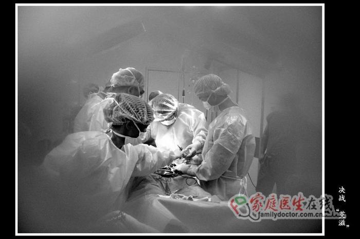 病人腐烂的动脉瘤体仍在出血