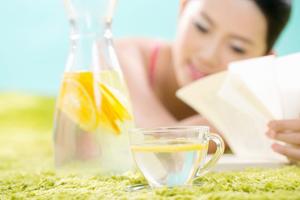 日常护肤方法二:加强肌肤补水