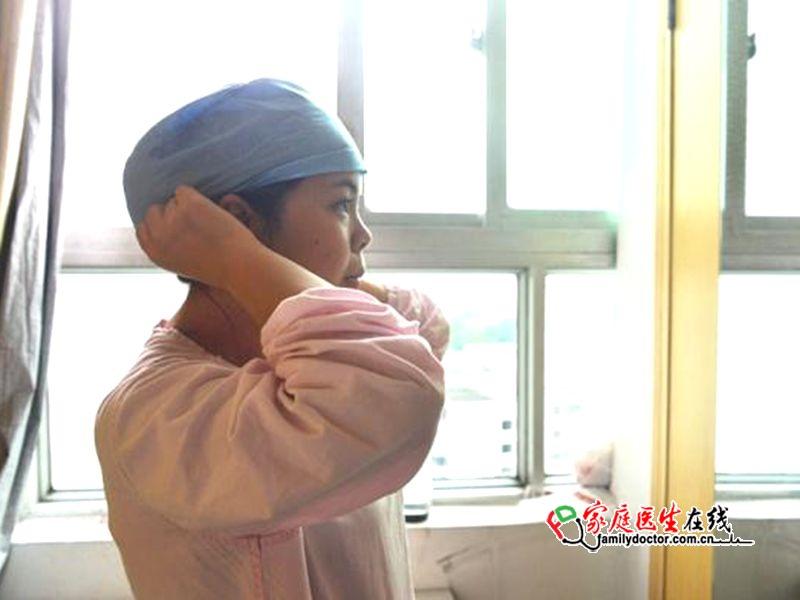 """马克思说过,""""如果我们选择了最能为人类幸福而劳动的职业,那么重担就不能把我们所压倒,因为这是为人类而献身。""""这句话用来形容护士再合适不过了。5月12日是第106个护士节,今天就带大家走进中山大学孙逸仙纪念医院儿科新生儿病区,记录下一位平凡护士的普通一天。(特别鸣谢通讯员:朱素颖)"""