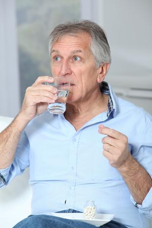 口服降糖药种类多 服用需注意时间远离低血糖