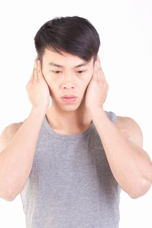 长期头痛要检查高血压