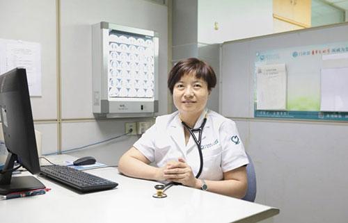 广州21岁女子咳嗽当感冒 误治多日发现得了肺结核