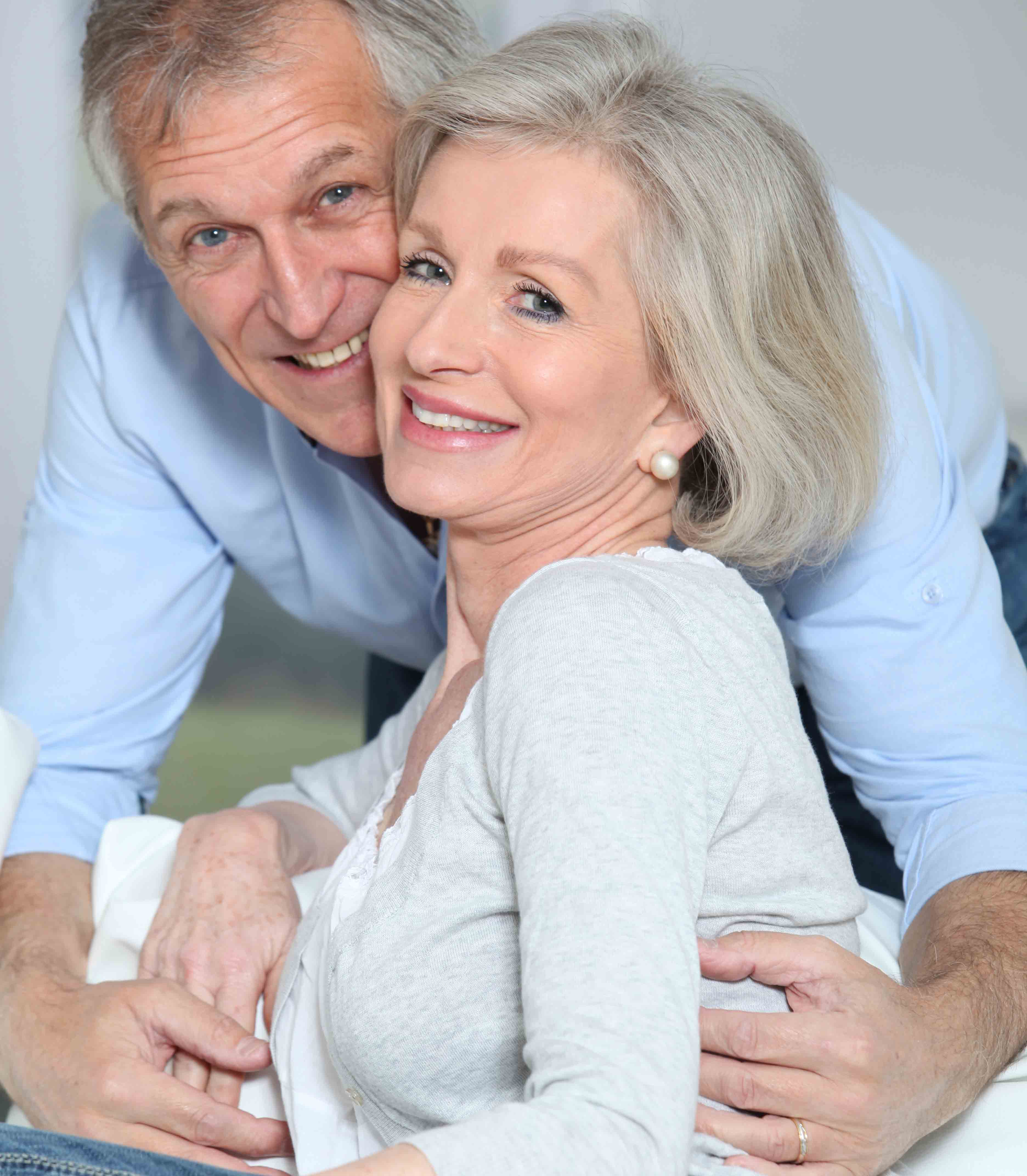 如何辨别是否患黄斑变性?老年黄斑变性的治疗方法