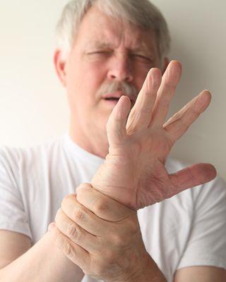 手上5个症状请你警惕肝病
