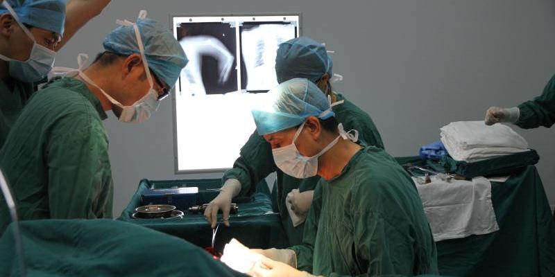 祈福医院助患者断肢再植成活创新功